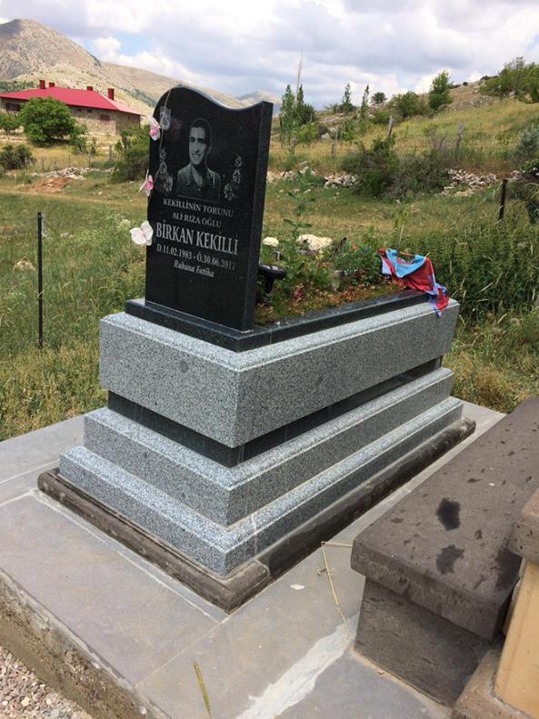 Granit Mezar